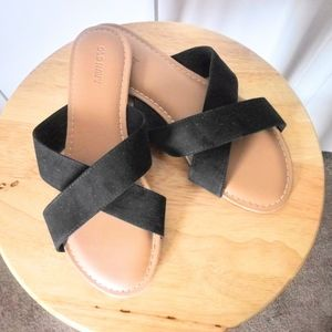 Old Navy | Cross slides